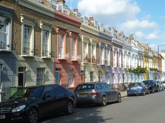 Candem high street houses Londres UK