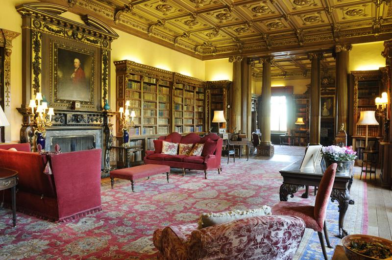 Highclere Castle Le Ch 226 Teau De Downton Abbey Globe Trottine