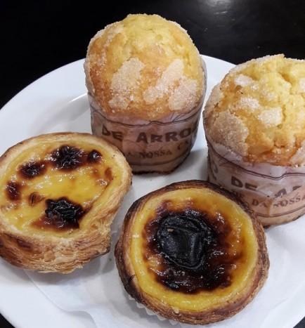 pasteis de nata et bolo de arroz