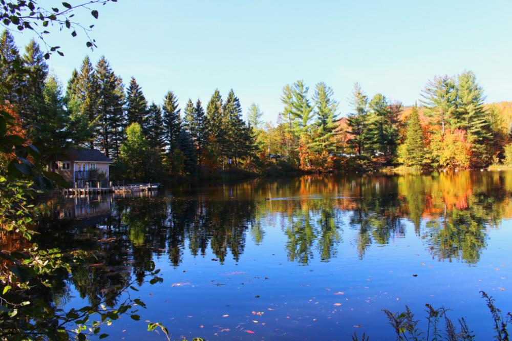 lac miroir 2 mont tremblant canada