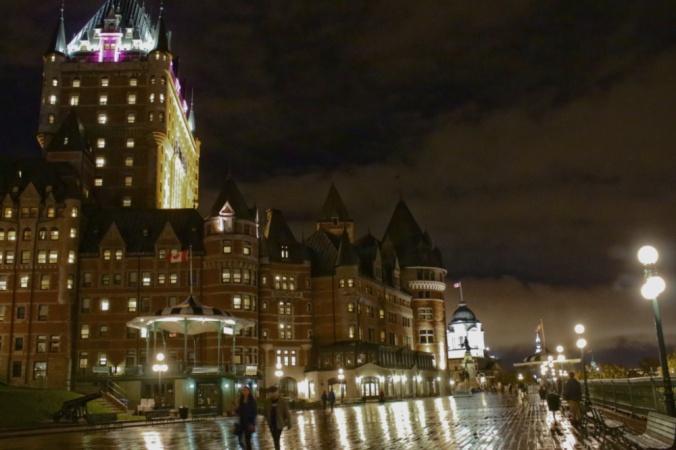 nuit frontenac Québec