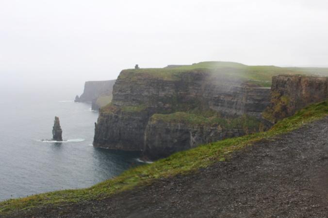 pluie falaises de Moher Irlande.jpg