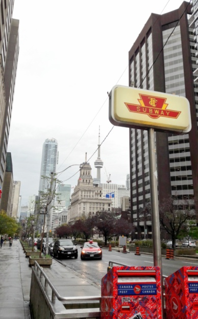 metro sign Toronto