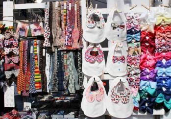Greenwich market bibs