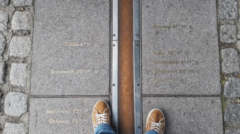 Greenwich mean time feet Londres