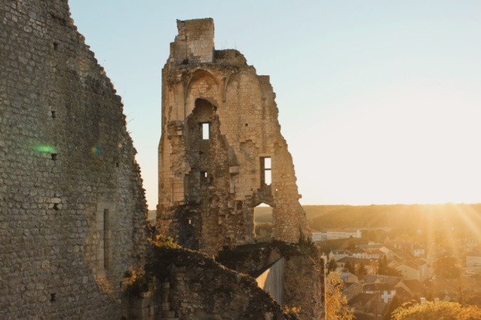 château baronnial soleil couchant Chauvigny