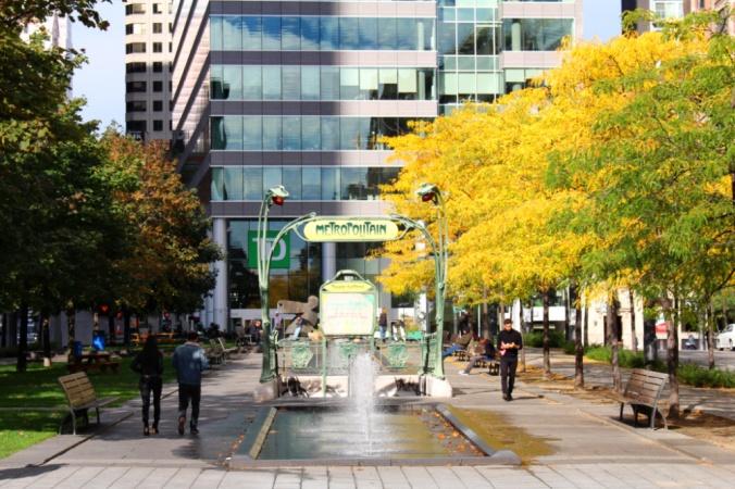 métro square Victoria Montréal