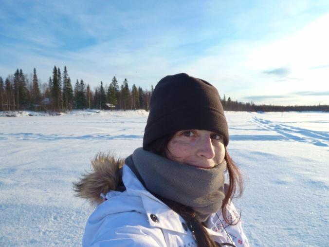 laponie photo seule lac gelé