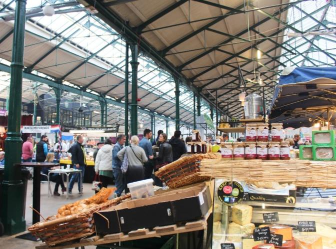 st george's market stalls belfast irlande du nord