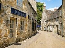 Stow on the wold rue
