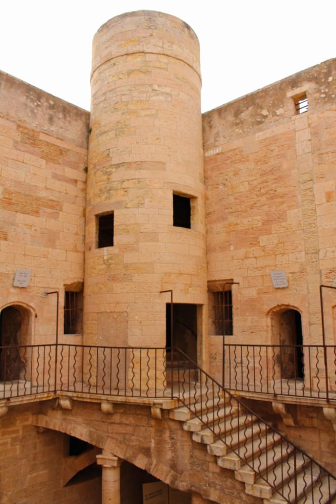 cour château d'If Marseille
