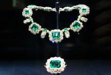 collier émeraude Victoria Kensington palace