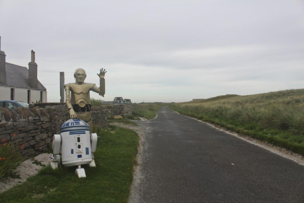 C3PO R2D2 Sanday