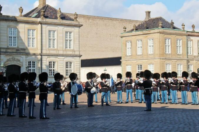 relève de la garde Amalienborg Copenhague