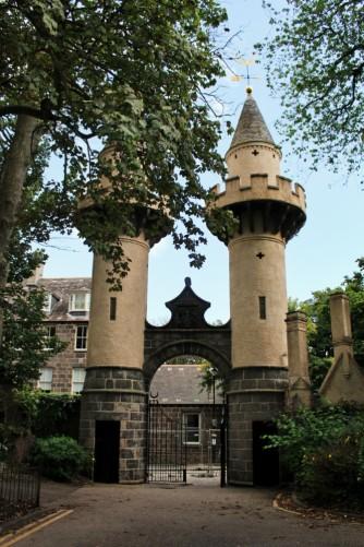 Powis gates Aberdeen university