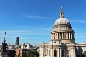 St Paul one change Londres